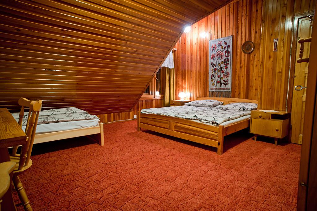 pokój nr 5 - łóżka