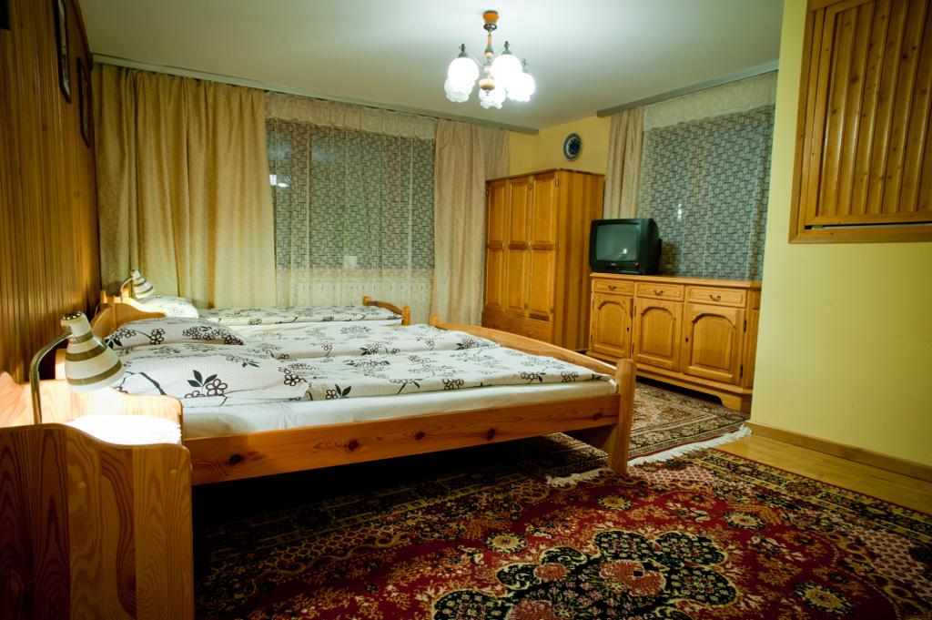 pokój dwu-trzyosobowy
